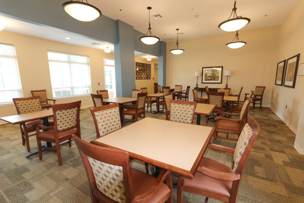 The community dining room at The Harmony Collection at Roanoke - Memory Care in Roanoke, Virginia