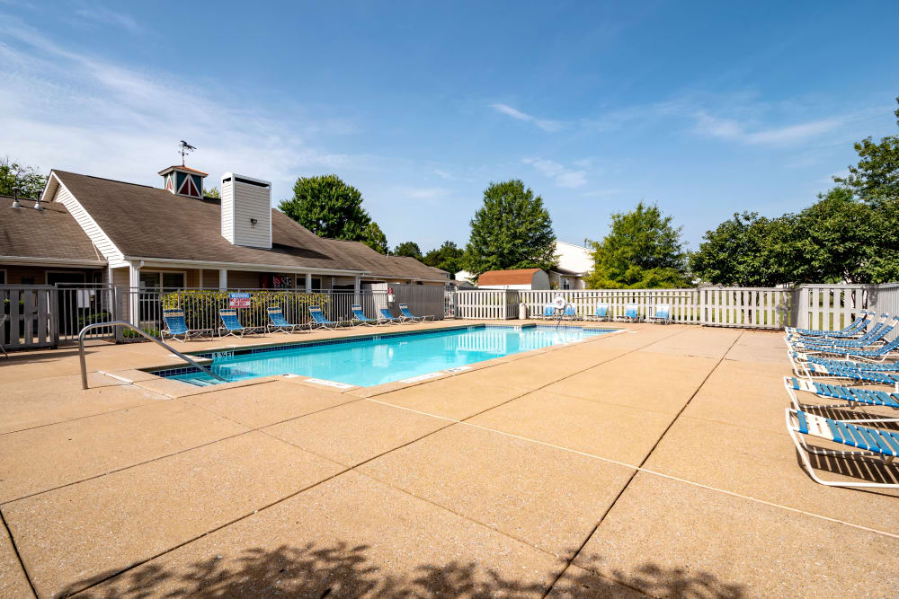 swimming pool at apartments in La Vergne, TN