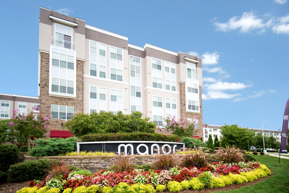 Front view at Manor Six Forks in Raleigh, North Carolina
