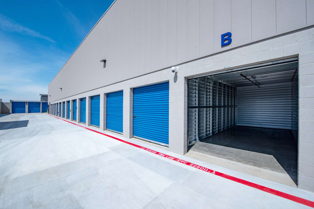 Large exterior units at Silverhawk Self Storage