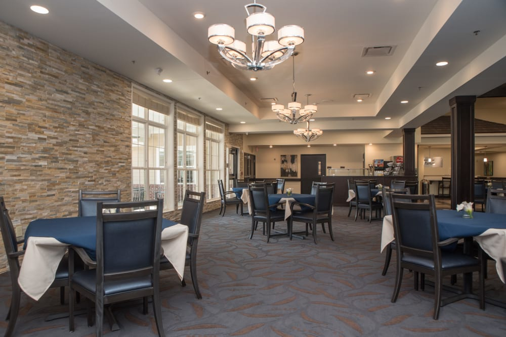 Dining Room at Sanders Ridge Health Campus