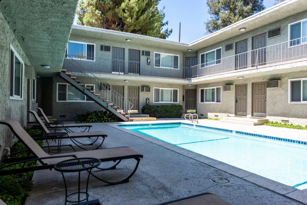 Pool & Spa at The Pavillion in Tarzana, CA