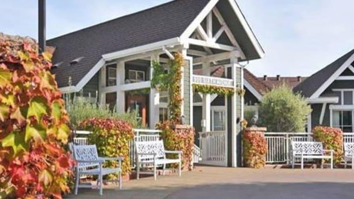 Exterior photo of Vista Terrace of Belmont in Belmont, CA