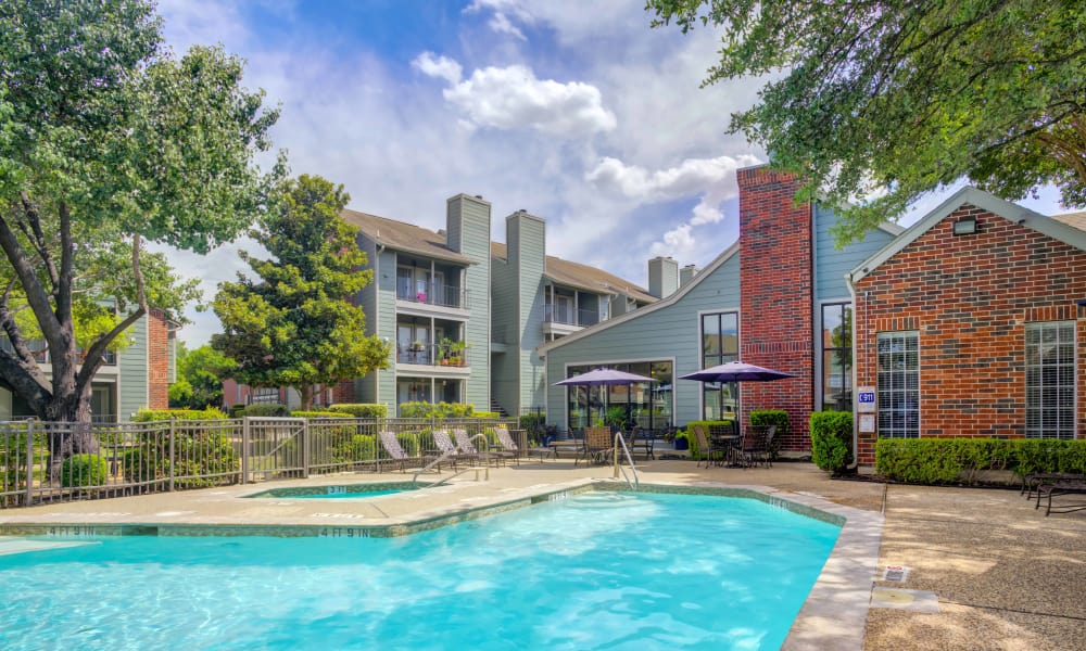 Bradford Pointe offers a renovated swimming pool in Austin, Texas