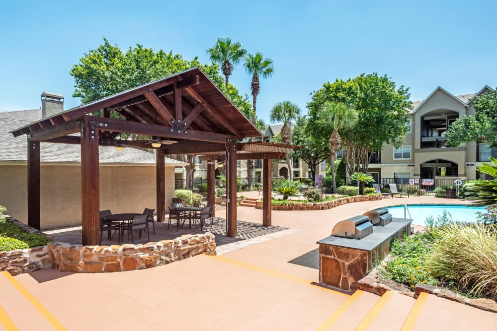 BBQ Area and Swimming Pool at Salado Springs Apartments