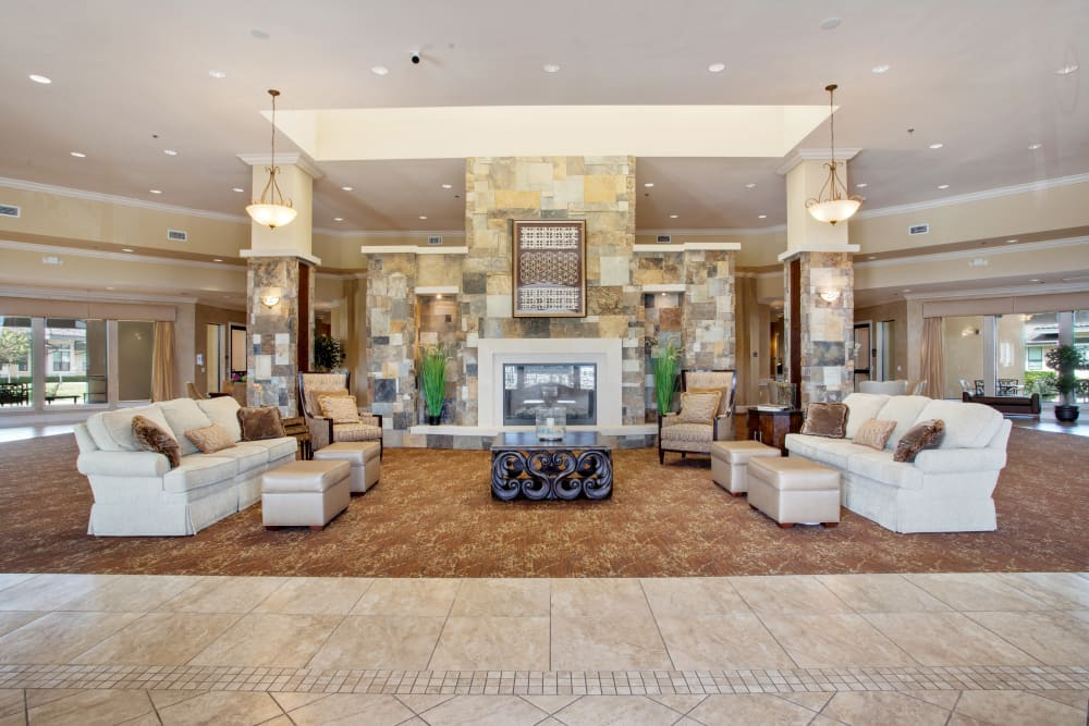 Fireside seating at Clayton Oaks Living in Richmond, Texas