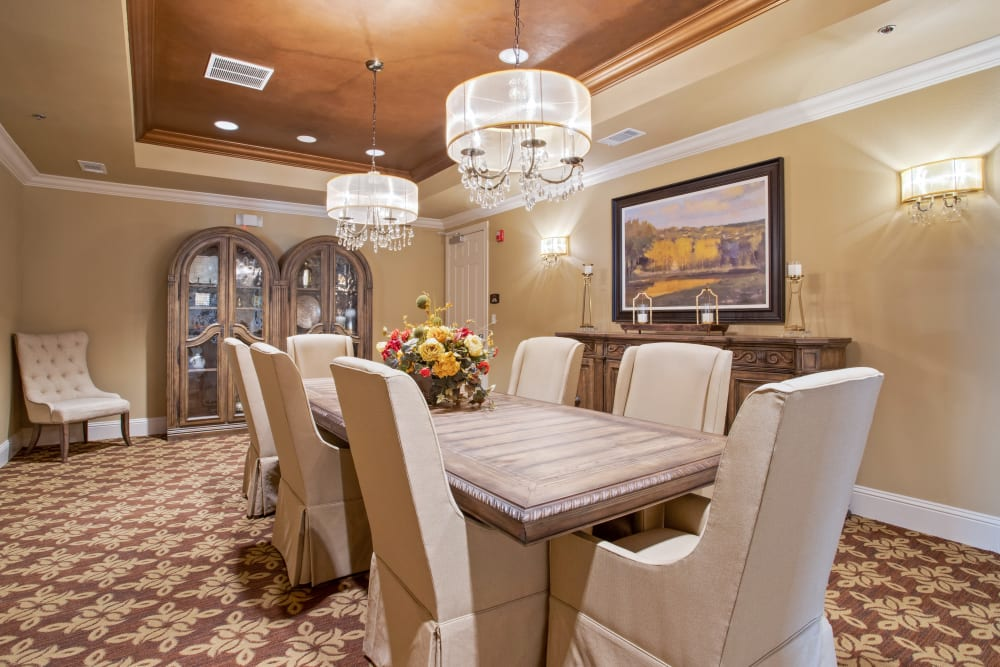 A private dining room at Clayton Oaks Living in Richmond, Texas