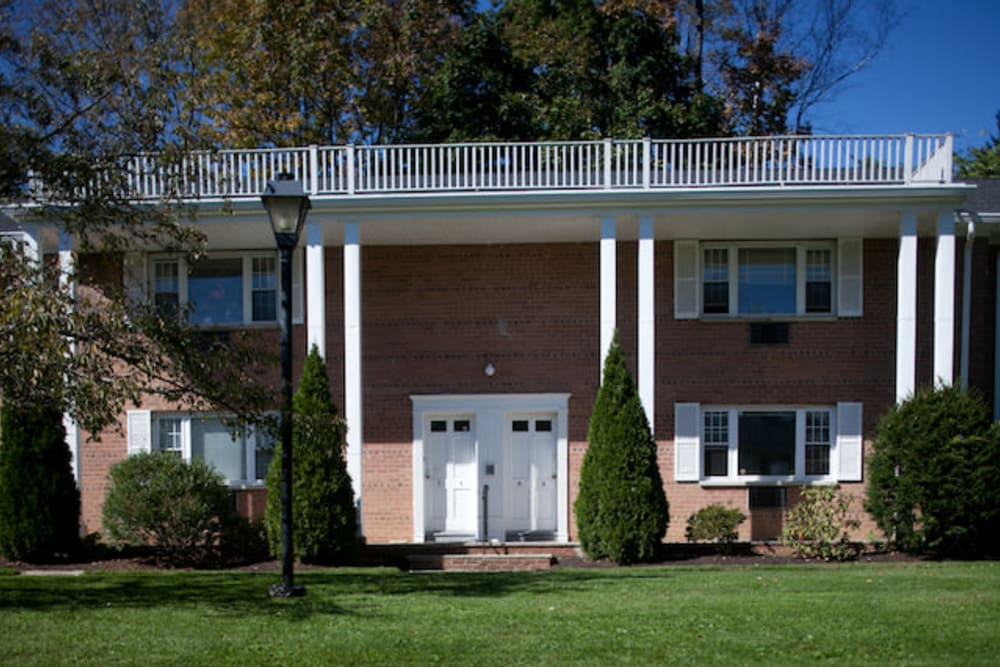 Rosedale Manor Apartments in Madison, New Jersey