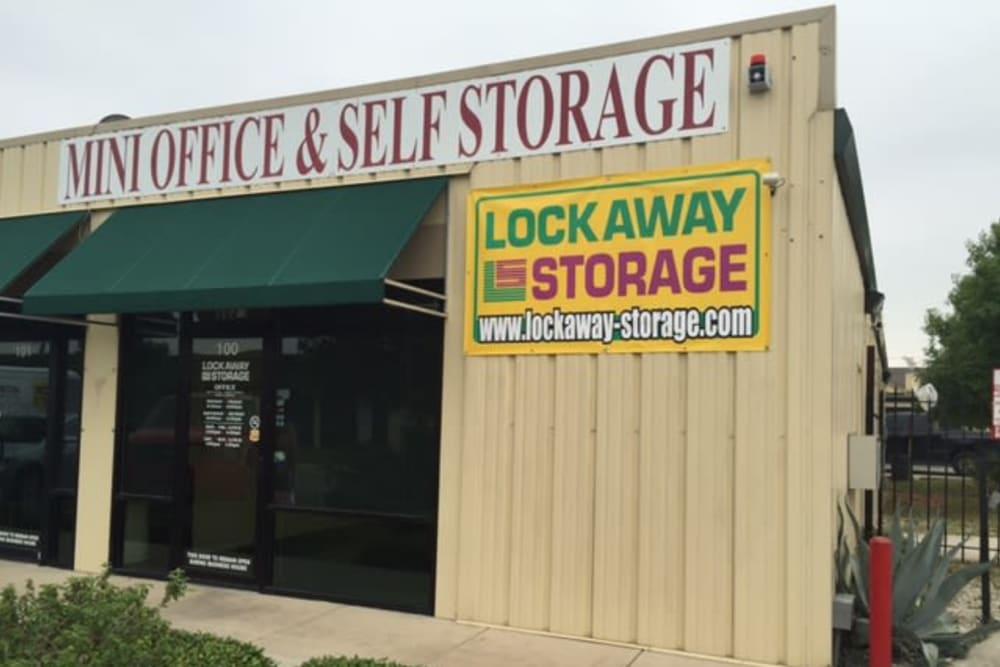 Lockaway Storage Culebra Front Office Exterior