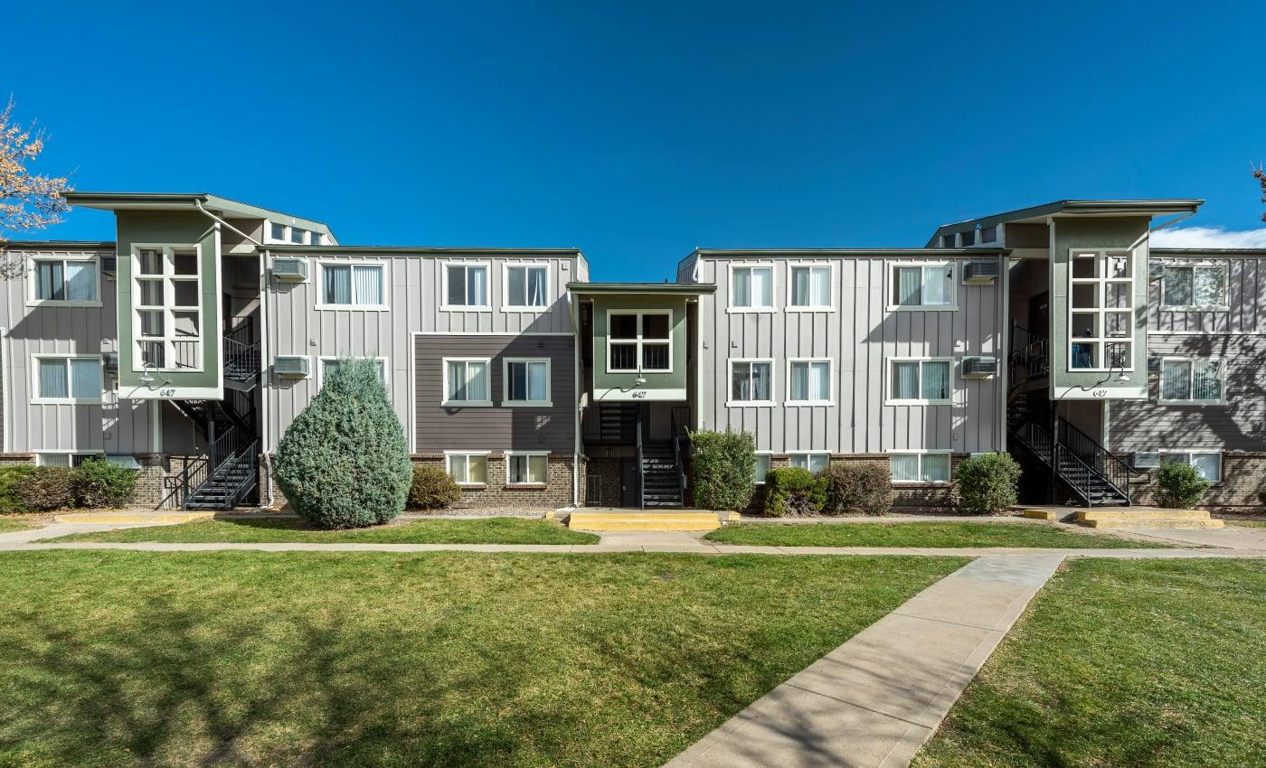Photos of Overlook at Thornton in Thornton, Colorado