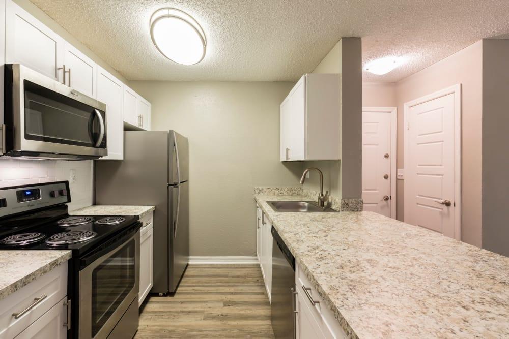 Modern kitchen at The Fountains at Lee Vista in Orlando, FL