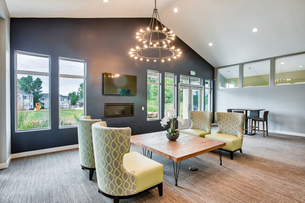 Clubhouse at Vistas at Stony Creek Apartments in Littleton, Colorado