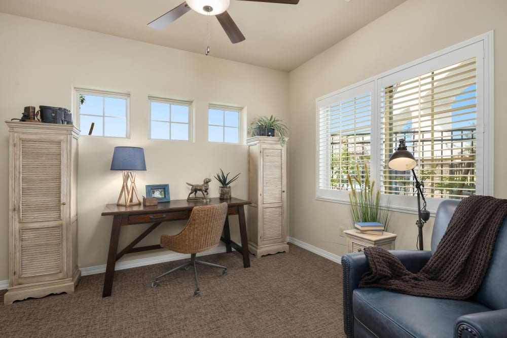 resident living room at The Park at Modesto Independent Living Community