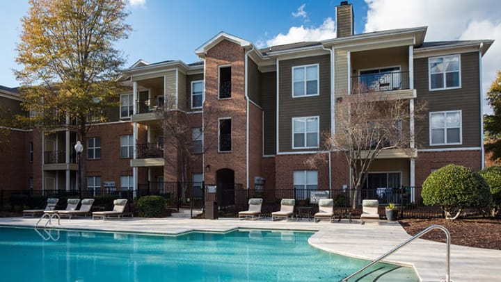 Luxury swimming pool at The Oaks apartments