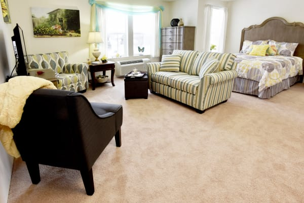 A well decorated studio apartment at Meadowlark Estates Gracious Retirement Living in Lawrence, Kansas