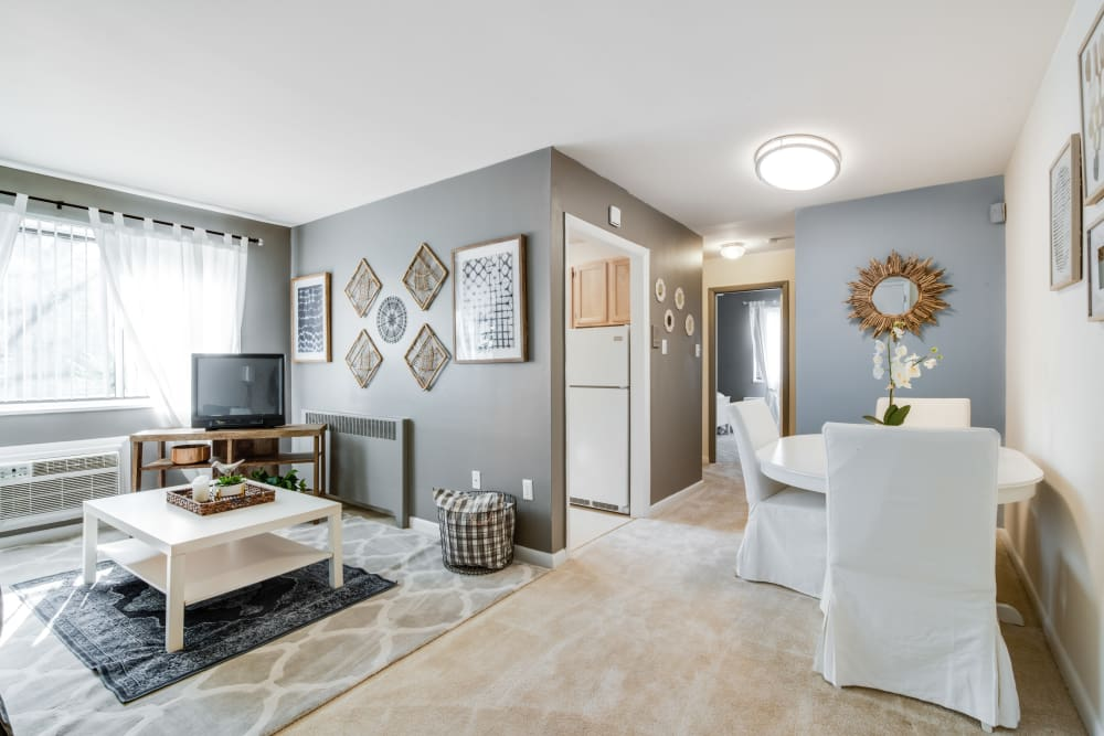 Dining & living room at Meadowbrook Run