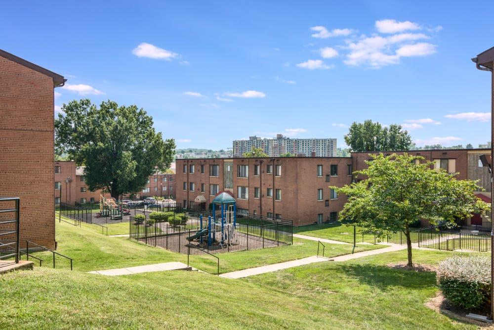 Property grounds at Meadowbrook Run