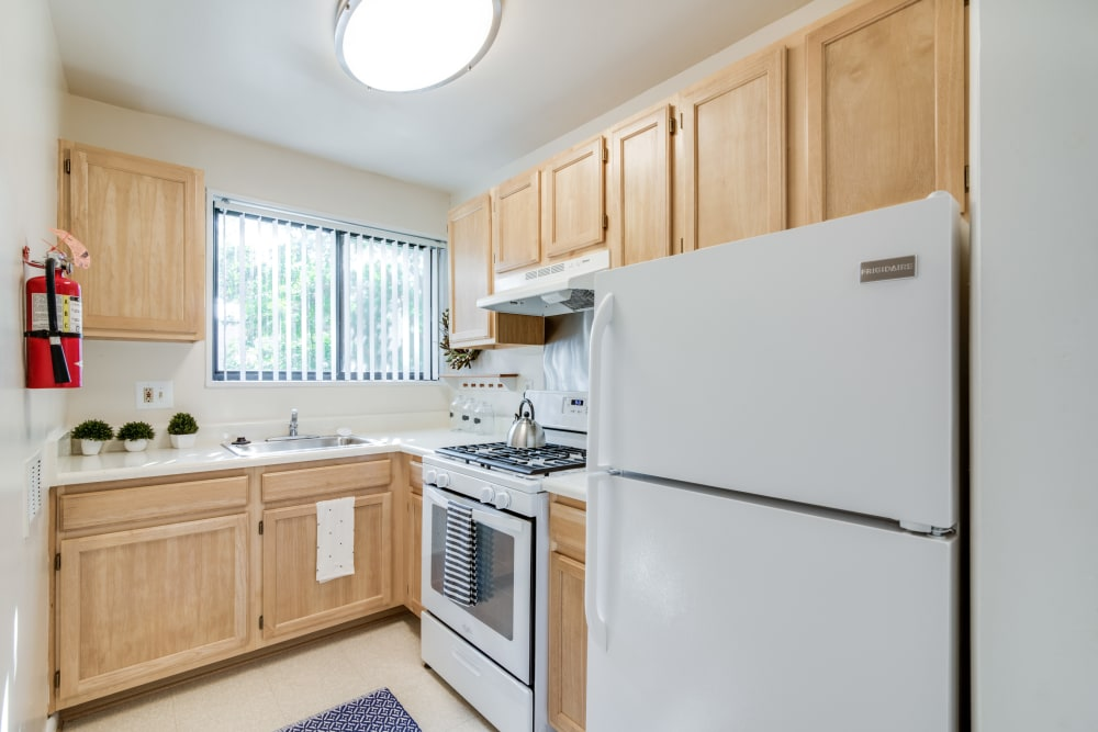 Kitchen at Meadowbrook Run