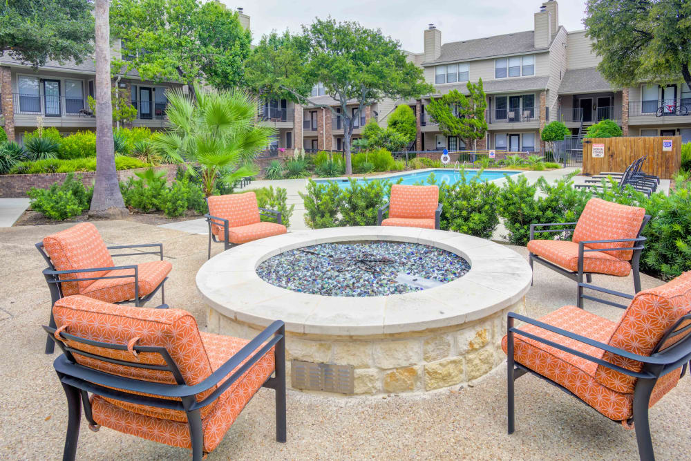 Great rest area next to the swimming pool at Enclave at Water's Edge Apartments in Austin, Texas