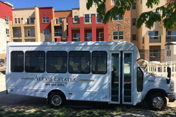 The community bus in front of Alexis Estates Gracious Retirement Living in Allen, Texas