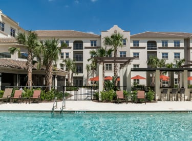 Merrill Gardens ChampionsGate has a zero-entry outdoor pool