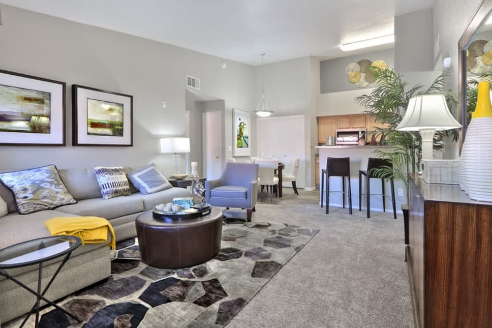 Mariner at South Shores offers a spacious living room in Las Vegas, Nevada