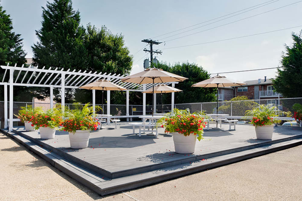 Patio picnic area at Westgate Apartments & Townhomes