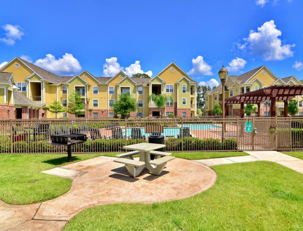 View of the entrance to IMT Kingwood in Kingwood, TX