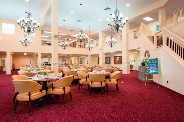 Large community dining room at Alexis Estates Gracious Retirement Living in Allen, Texas
