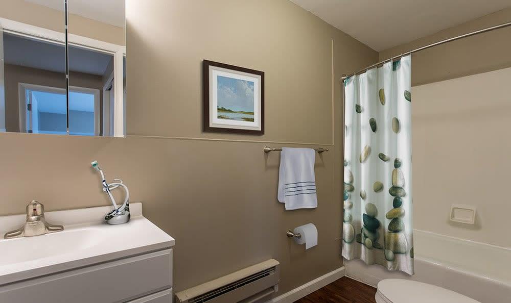 Bathroom at Wellington Manor in Liverpool, New York