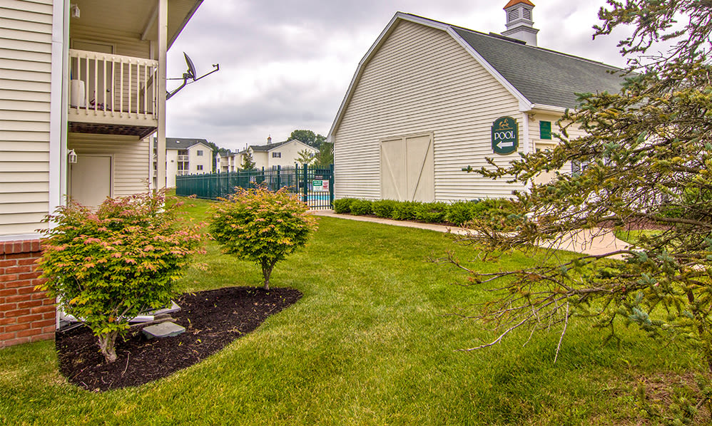 Amenities available at Steeplechase Apartments & Townhomes in Toledo, Ohio