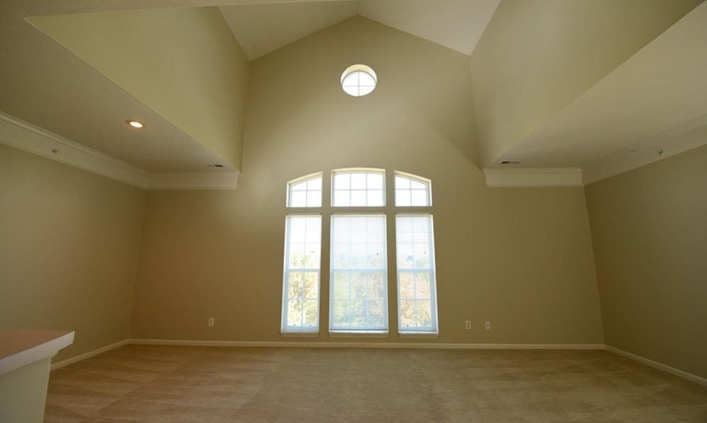 Spacious room with large windows at Christopher Wren in Wexford, Pennsylvania