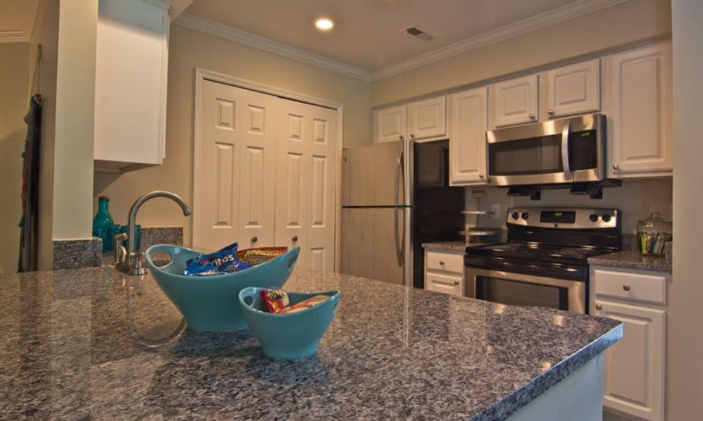 Nice clean kitchen in our Westerville, Ohio apartments at The Woods at Polaris Parkway