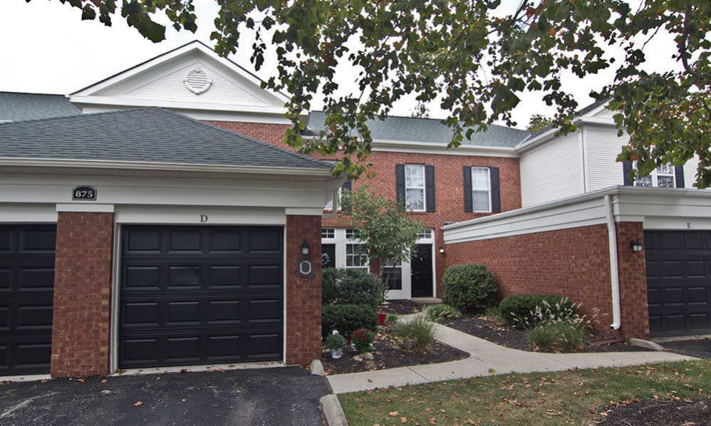 Our The Woods at Polaris Parkway apartments with garages in Westerville, Ohio