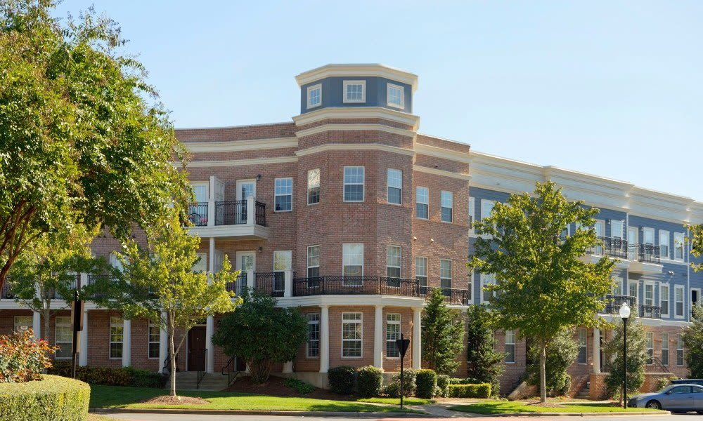 Beautiful exterior of Worthington Luxury Apartments in Charlotte, North Carolina