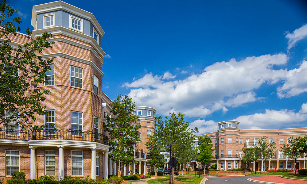 Exterior of Worthington Luxury Apartments on a nice day in Charlotte, North Carolina