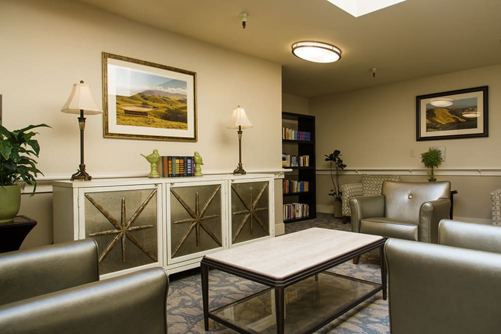 Common dining area at Carefield Castro Valley in Castro Valley, California