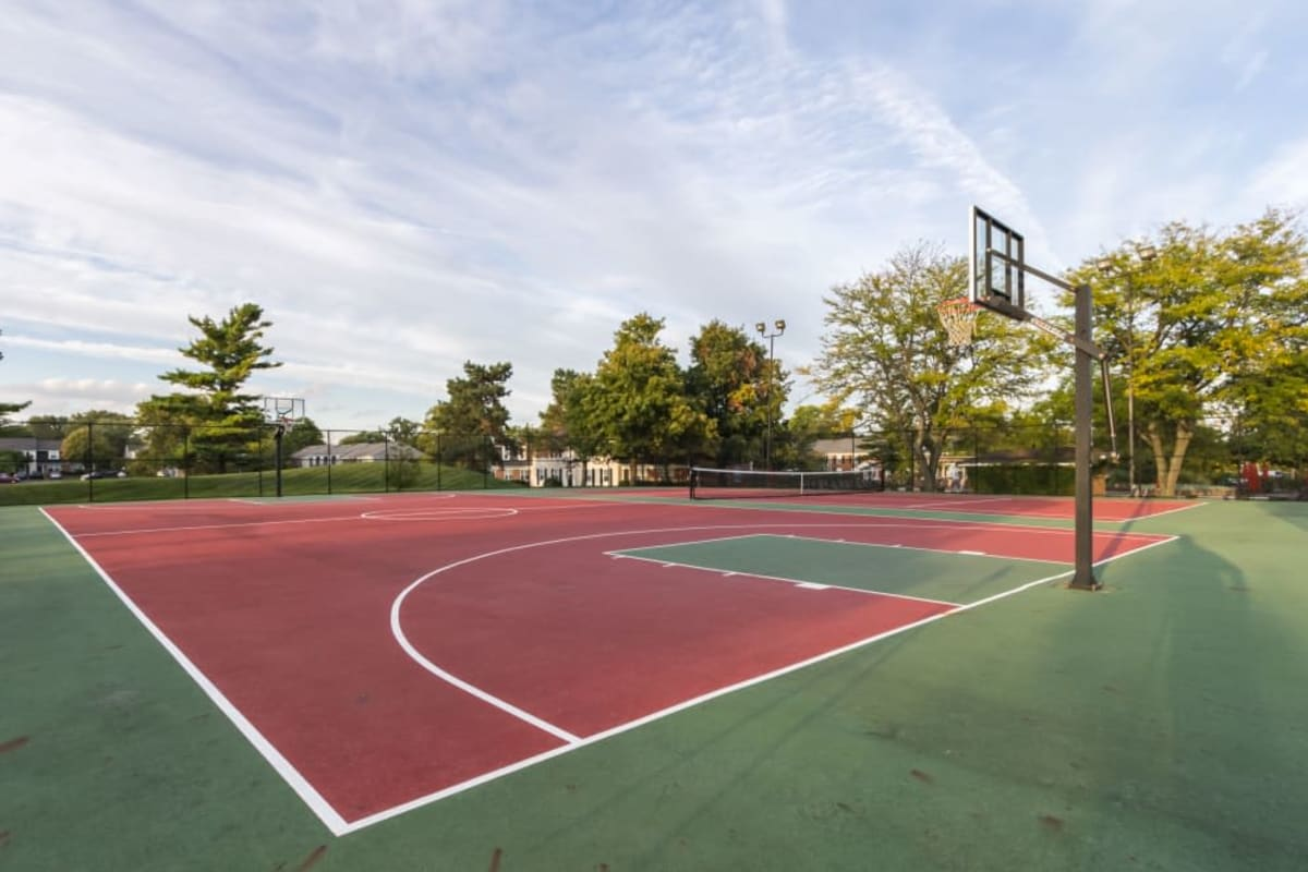 Luxury basketball court at Governours Square in Columbus, Ohio