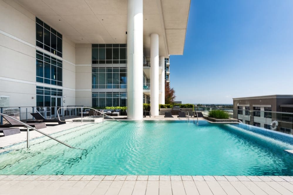 Sparkling pool at The Heights at Park Lane in Dallas, Texas