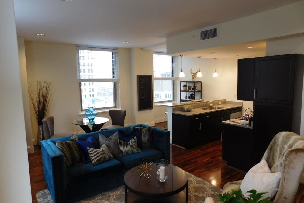 The Reserve at 4th and Race living room and kitchen