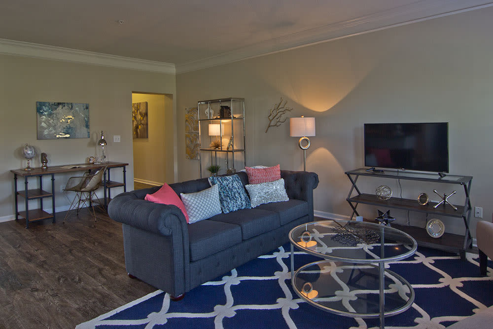 Spacious living room at Easton Commons in Columbus, Ohio