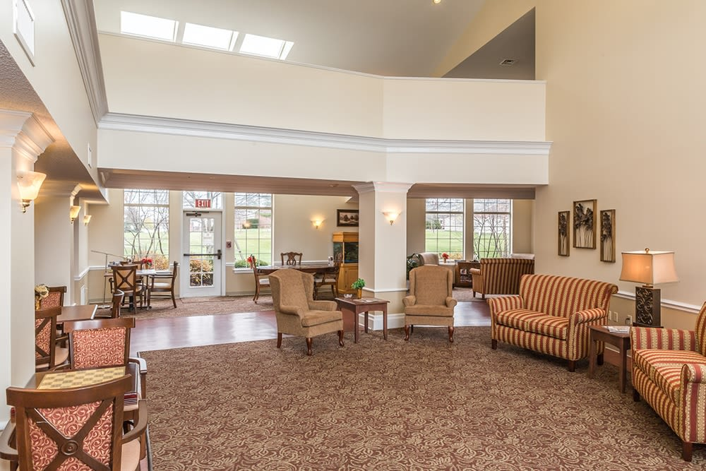 Brightly lit lounge area at Reflections Retirement in Lancaster, Ohio.