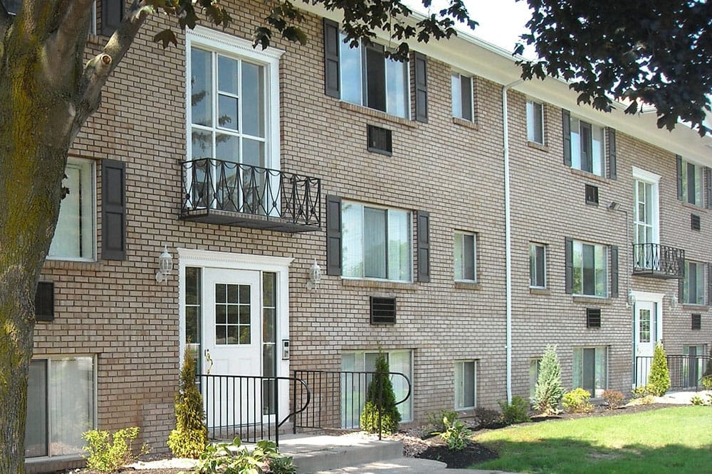 Exterior of Pittsford Garden Apartments in Pittsford, New York