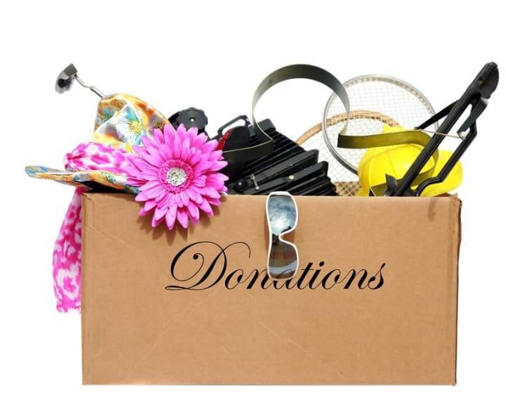 Declutter-Donations-box-e1431705308771
