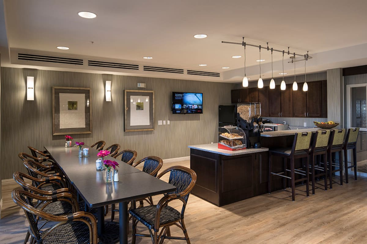 Cafe dining room at Oxford Villa Active Senior Apartments in Wichita, Kansas