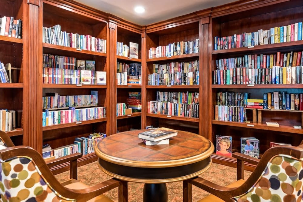 Library  in the Clubhouse at Pacifica Senior Living Heritage Hills in Hendersonville, NC