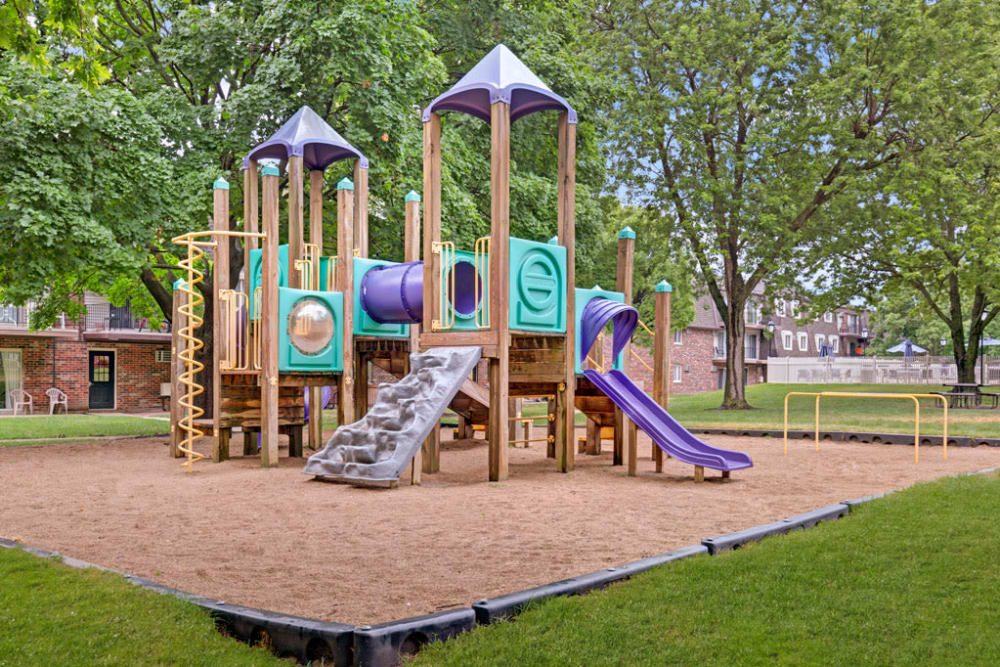 Large onsite playground for children to enjoy at Blackhawk Apartments in Elgin, Illinois