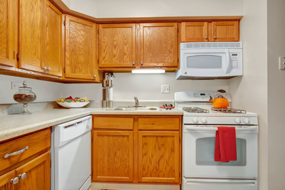 Fully equipped kitchen at Blackhawk Apartments in Elgin, Illinois