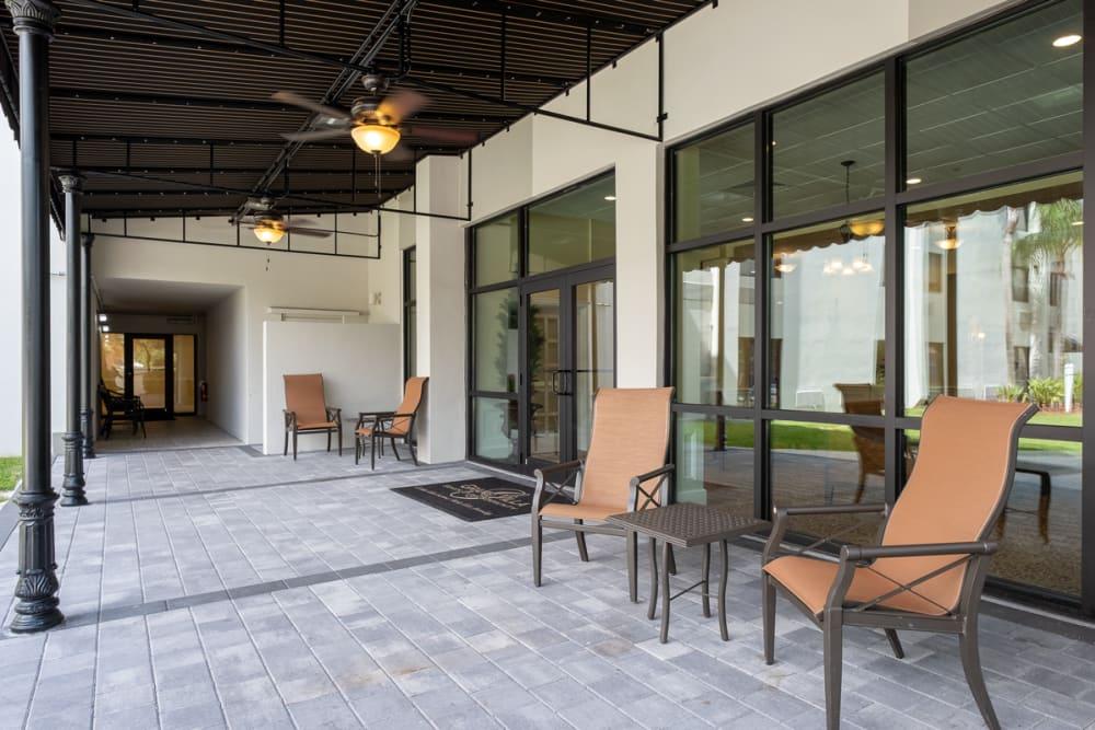 Patio seating at Grand Villa of Boynton Beach in Florida