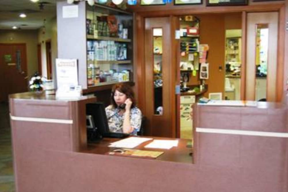 Reception area at Niles Veterinary Clinic in Niles, Ohio